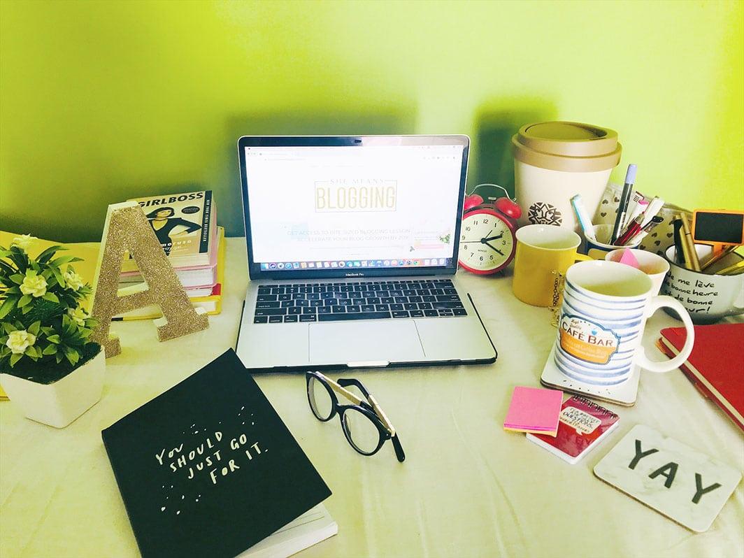 Arfa's Desk